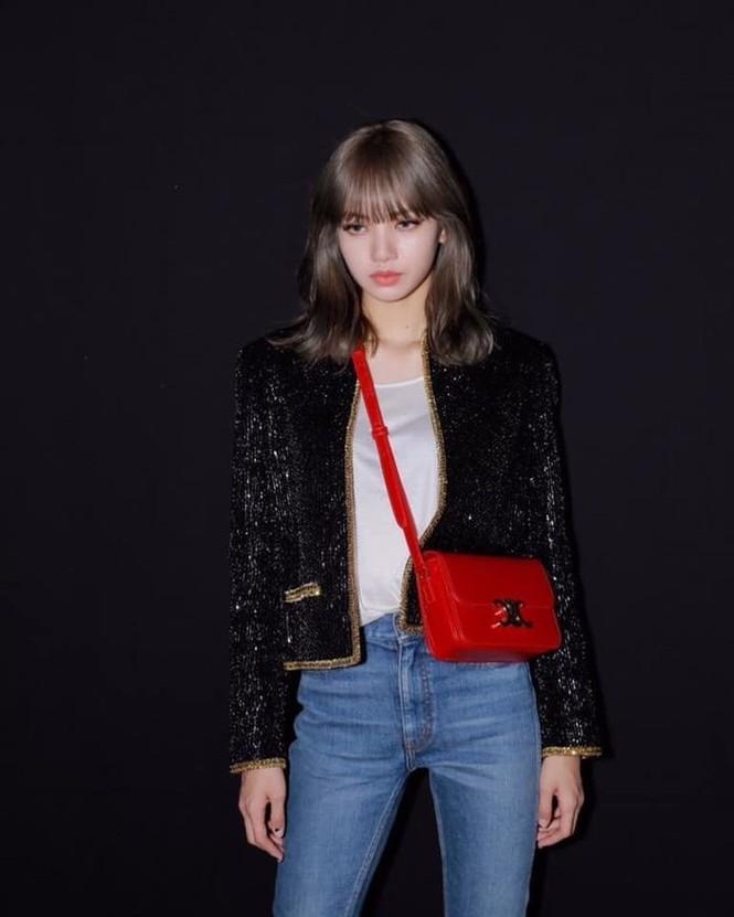 """Lisa (Black Pink) là giám khảo giải thưởng thời trang danh giá; Woonggi (TOO) bị các bạn học cùng lớp """"phốt"""" tự cao - ảnh 1"""