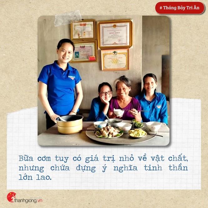 Tháng Bảy tri ân: Những bữa cơm cùng màu áo xanh nghĩa tình - ảnh 1