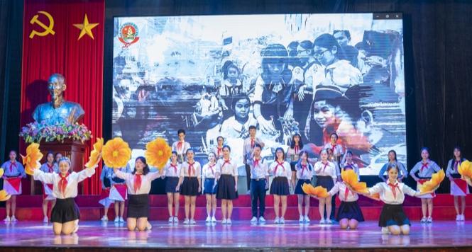 Câu chuyện âm nhạc đầy sắc màu của tân sinh viên trường Đoàn - ảnh 2