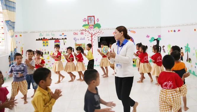 Niềm vui của cô giáo trẻ vùng cao là thấy các em đến lớp đông đủ  - ảnh 4