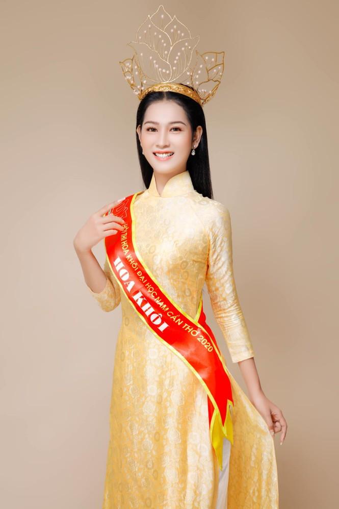 Ngắm nữ sinh viên ĐH Nam Cần Thơ diện Bikini nóng bỏng  - ảnh 1