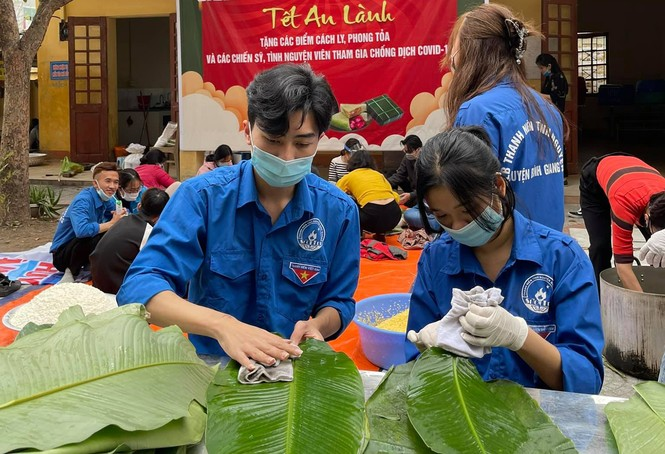 Hàng nghìn bánh chưng xanh gửi người dân và các lực lượng phòng chống dịch COVID-19 - ảnh 1