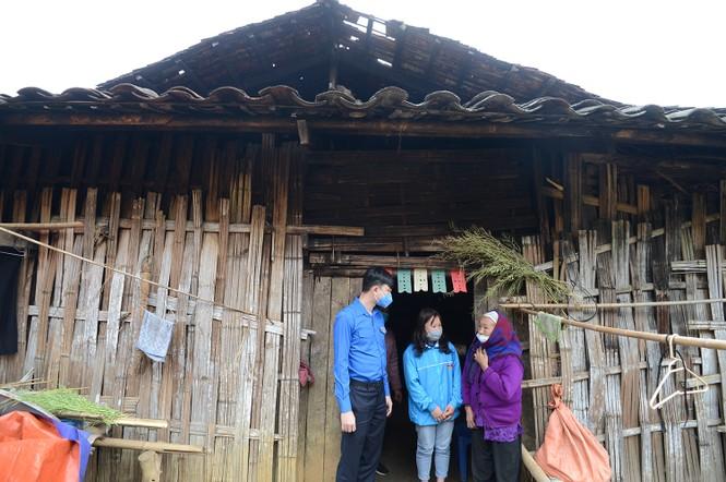 """Khởi công xây tặng """"Ngôi nhà 100 đồng"""" cho thanh niên Cao Bằng - ảnh 5"""