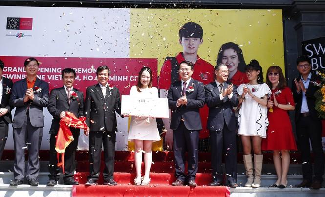 Dành 15 tỷ đồng học bổng cho tân sinh viên Swinburne Việt Nam tại TP. Hồ Chí Minh - ảnh 2