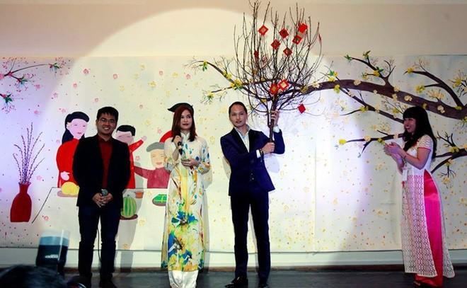 Người Việt xa xứ vui Tết, gây quỹ giúp trẻ em vùng cao - ảnh 5