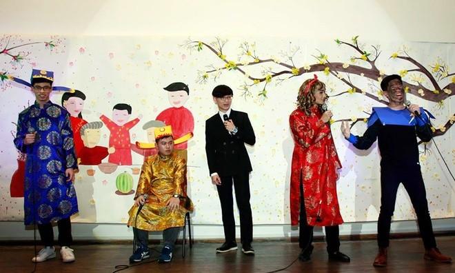 Người Việt xa xứ vui Tết, gây quỹ giúp trẻ em vùng cao - ảnh 3