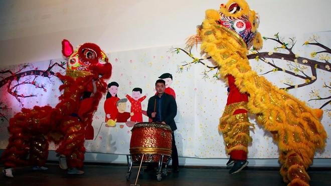 Người Việt xa xứ vui Tết, gây quỹ giúp trẻ em vùng cao - ảnh 1