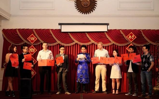 Người Việt xa xứ vui Tết, gây quỹ giúp trẻ em vùng cao - ảnh 9