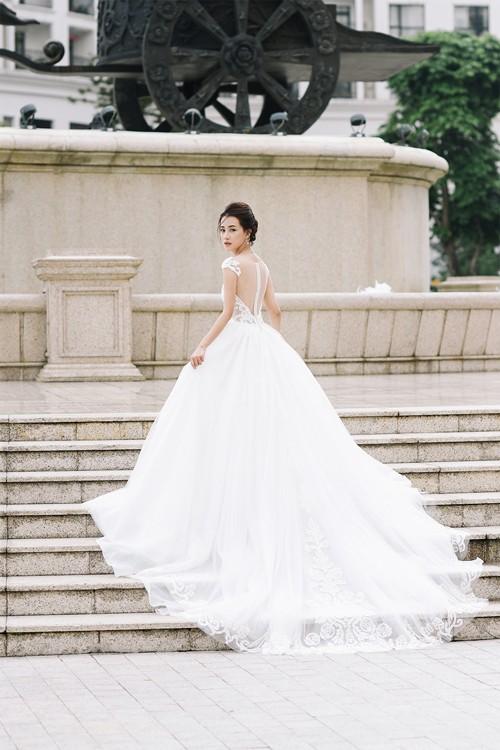 Vẻ đẹp mong manh của MC Quỳnh Chi khi hoá thành cô dâu - ảnh 7