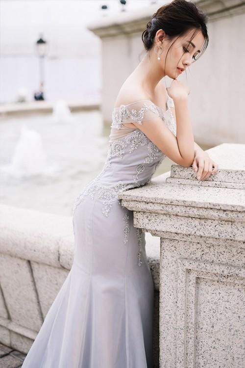 Vẻ đẹp mong manh của MC Quỳnh Chi khi hoá thành cô dâu - ảnh 4