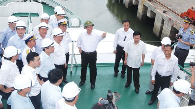 Trang bị tàu kiểm ngư lớn nhất Việt Nam - ảnh 1
