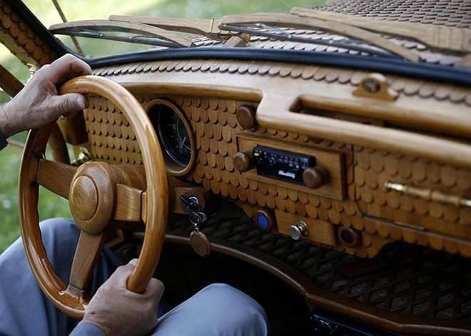 Cụ ông 71 tuổi mặc 'áo gỗ' cho xe - ảnh 5