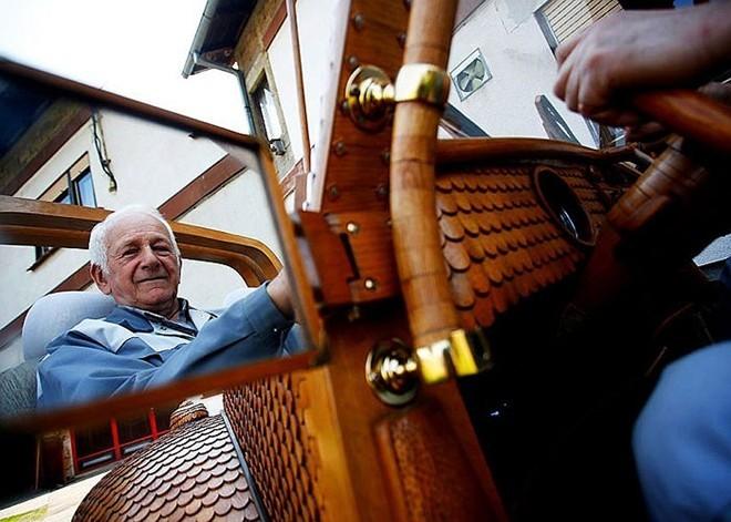 Cụ ông 71 tuổi mặc 'áo gỗ' cho xe - ảnh 7