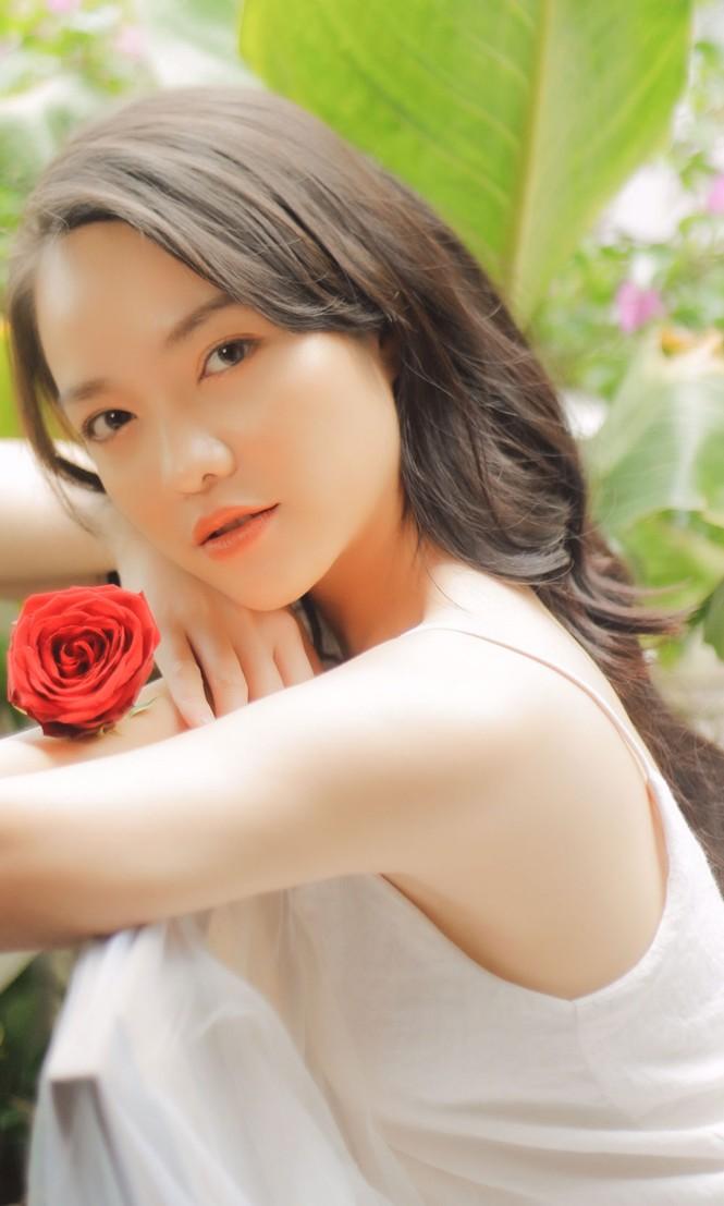 Hồng Kim Hạnh tung ảnh hững hờ, ngọt ngào quyến rũ - ảnh 10