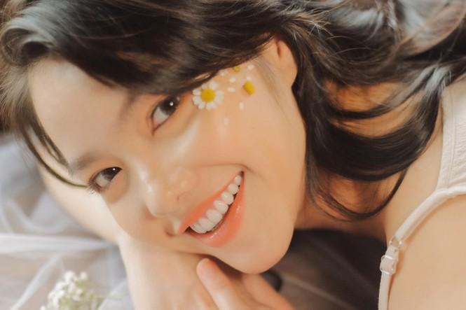 Hồng Kim Hạnh tung ảnh hững hờ, ngọt ngào quyến rũ - ảnh 3