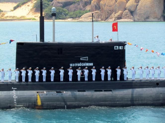 [ẢNH] Dàn vũ khí tối tân của Hải quân Việt Nam duyệt đội hình - ảnh 14
