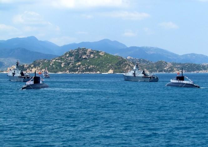 [ẢNH] Dàn vũ khí tối tân của Hải quân Việt Nam duyệt đội hình - ảnh 17