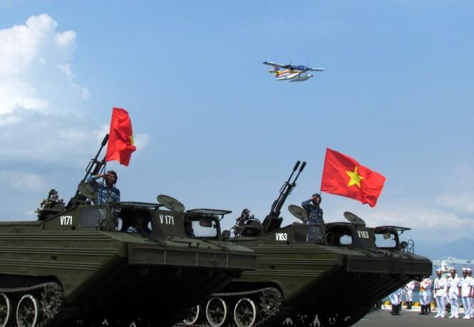 [ẢNH] Dàn vũ khí tối tân của Hải quân Việt Nam duyệt đội hình - ảnh 10