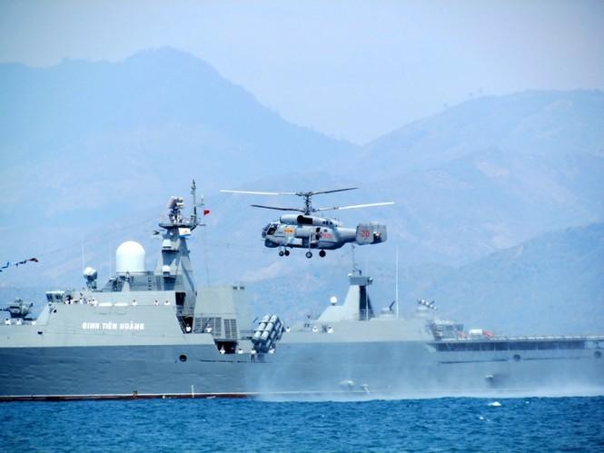 [ẢNH] Dàn vũ khí tối tân của Hải quân Việt Nam duyệt đội hình - ảnh 11