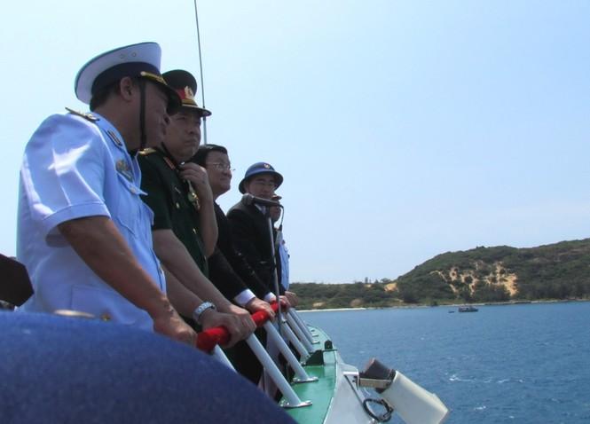 [ẢNH] Dàn vũ khí tối tân của Hải quân Việt Nam duyệt đội hình - ảnh 1
