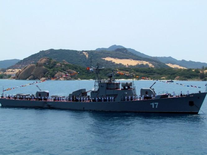 [ẢNH] Dàn vũ khí tối tân của Hải quân Việt Nam duyệt đội hình - ảnh 18