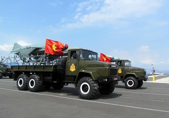 [ẢNH] Dàn vũ khí tối tân của Hải quân Việt Nam duyệt đội hình - ảnh 6