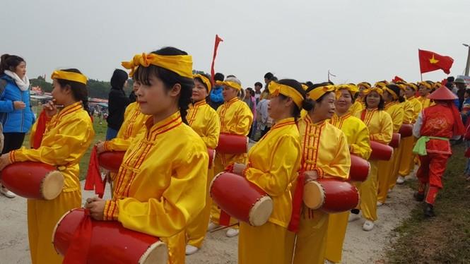 Hàng vạn người dự đám rước lễ hội Thủy tổ dân tộc - ảnh 10