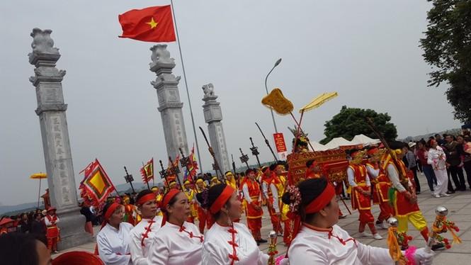 Hàng vạn người dự đám rước lễ hội Thủy tổ dân tộc - ảnh 14