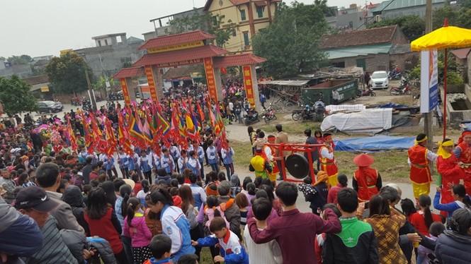 Hàng vạn người dự đám rước lễ hội Thủy tổ dân tộc - ảnh 3