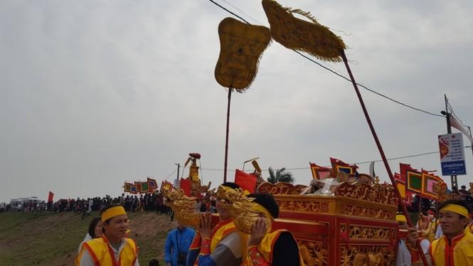 Hàng vạn người dự đám rước lễ hội Thủy tổ dân tộc - ảnh 7