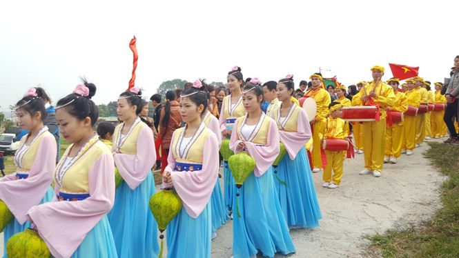Hàng vạn người dự đám rước lễ hội Thủy tổ dân tộc - ảnh 8