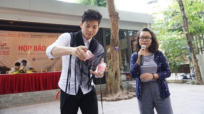 Xem ảo thuật gia Hàn Quốc diễn và K-Tigers múa Taekwondo - ảnh 1