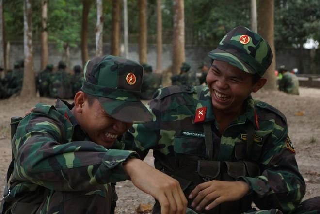 Tân binh Trung đoàn Gia Định trên thao trường đất thép Củ Chi - ảnh 10