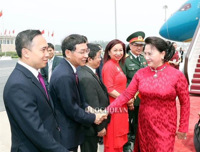 Chủ tịch Quốc hội Nguyễn Thị Kim Ngân đến thủ đô Bắc Kinh, Trung Quốc - ảnh 1