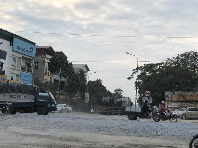 Những 'con đường đau khổ' đầy khói bụi ở Hà Nội - ảnh 3