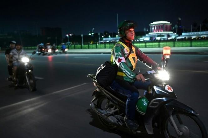 Chuyện về đội cứu hộ miễn phí xuyên đêm ở Hà Nội - ảnh 5