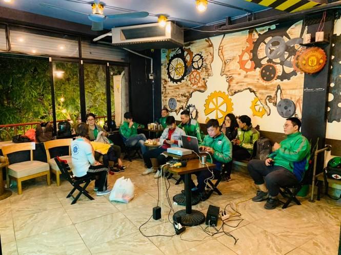 Chuyện về đội cứu hộ miễn phí xuyên đêm ở Hà Nội - ảnh 2