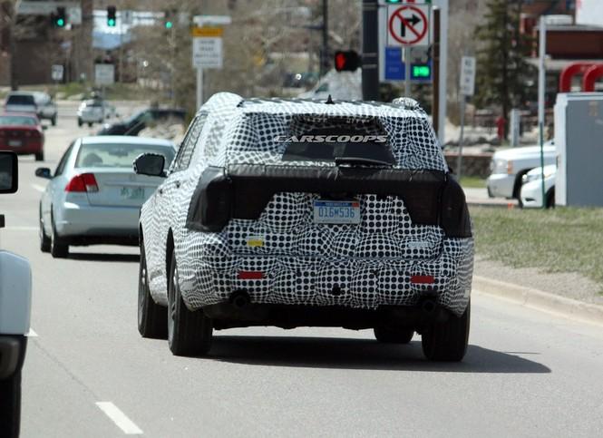 Ford Explorer 2020 lộ những hình ảnh đầu tiên đầy khỏe khoắn - ảnh 2