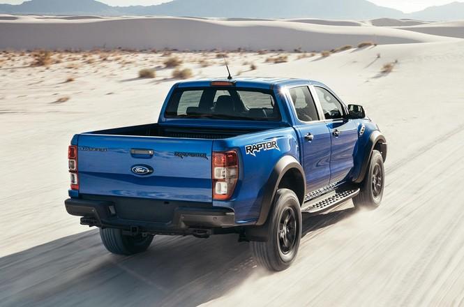 Bán tải 'khủng' Ford Ranger Raptor mới tại Anh có gì đặc biệt? - ảnh 2
