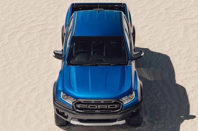 Bán tải 'khủng' Ford Ranger Raptor mới tại Anh có gì đặc biệt? - ảnh 1