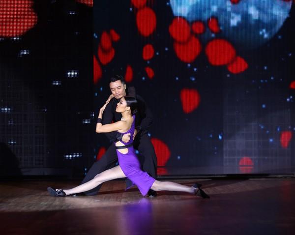 Lan Khuê sexy, 'đốt cháy' sân khấu Bước Nhảy Hoàn Vũ - ảnh 5