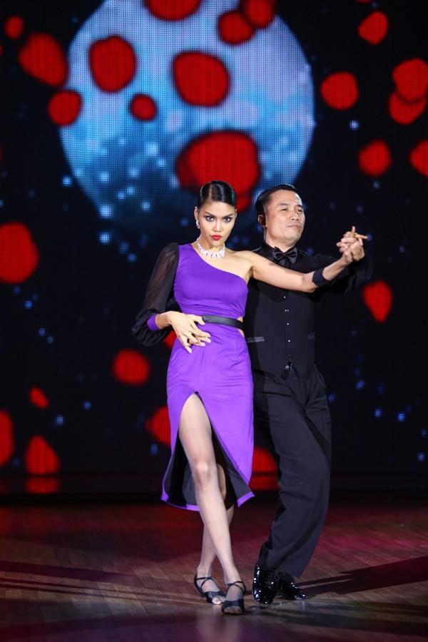 Lan Khuê sexy, 'đốt cháy' sân khấu Bước Nhảy Hoàn Vũ - ảnh 4