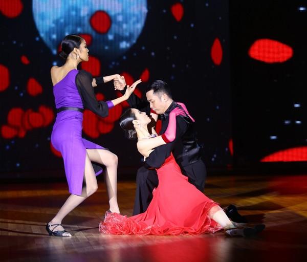 Lan Khuê sexy, 'đốt cháy' sân khấu Bước Nhảy Hoàn Vũ - ảnh 9