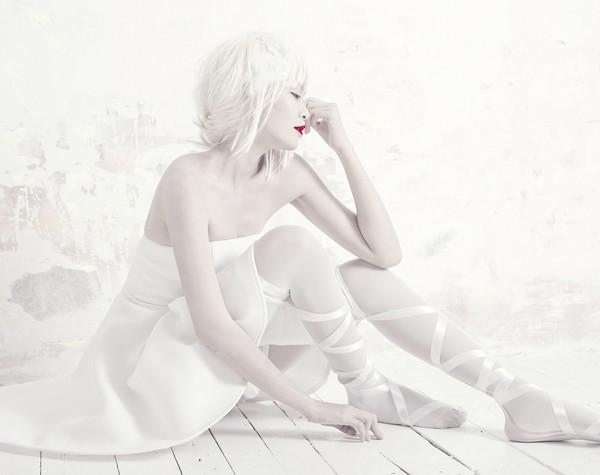 Quán quân Next Top Model hóa nữ thần tuyết trắng - ảnh 8