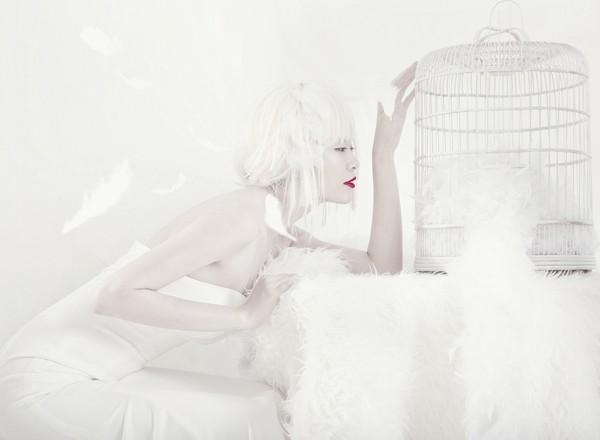 Quán quân Next Top Model hóa nữ thần tuyết trắng - ảnh 5