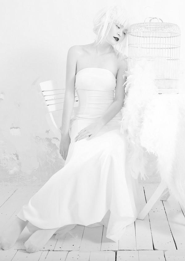 Quán quân Next Top Model hóa nữ thần tuyết trắng - ảnh 3