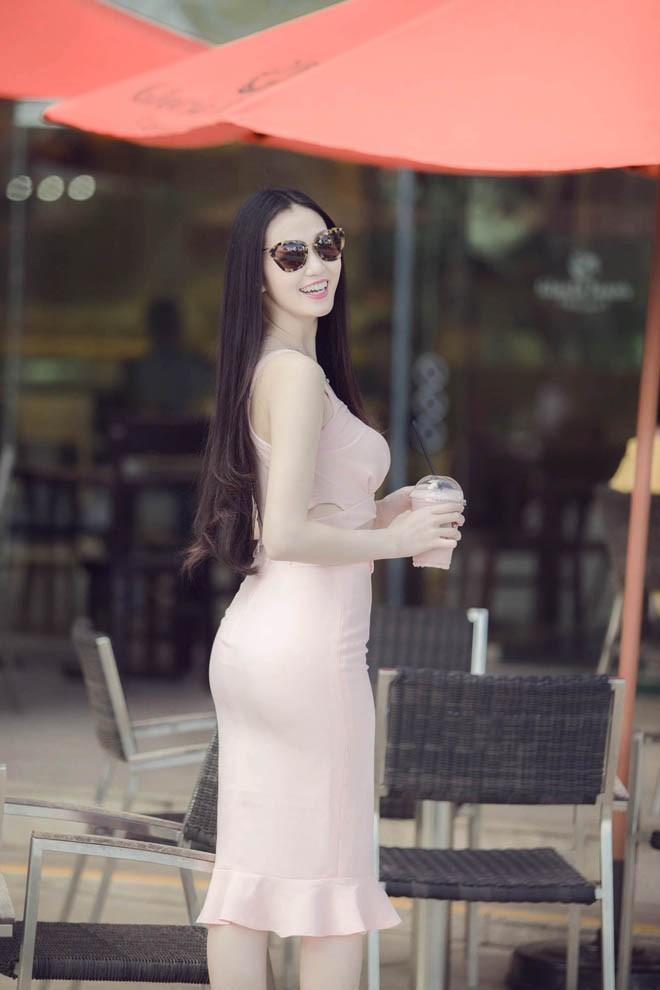 Khánh My khoe eo thon đẹp 'ngẩn ngơ' trên phố - ảnh 4