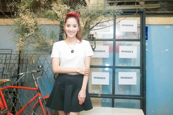 Khánh Thi xinh đẹp mừng Lâm Vinh Hải làm ông chủ - ảnh 6