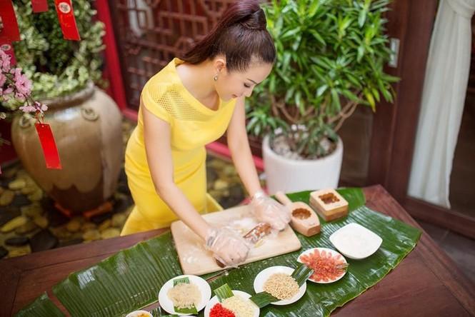 Hoa hậu Thu Hoài khoe tài làm bánh trung thu - ảnh 5