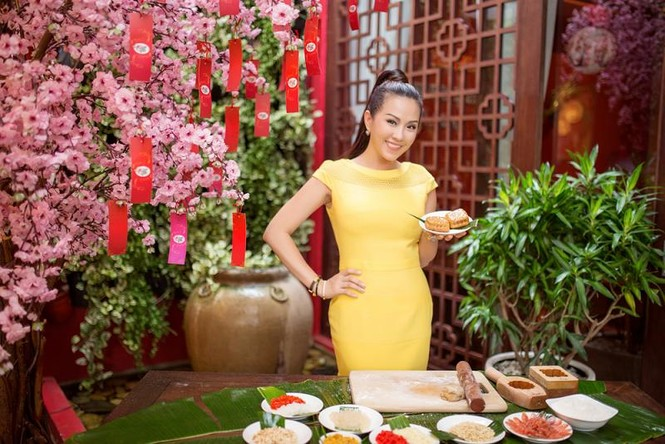 Hoa hậu Thu Hoài khoe tài làm bánh trung thu - ảnh 8